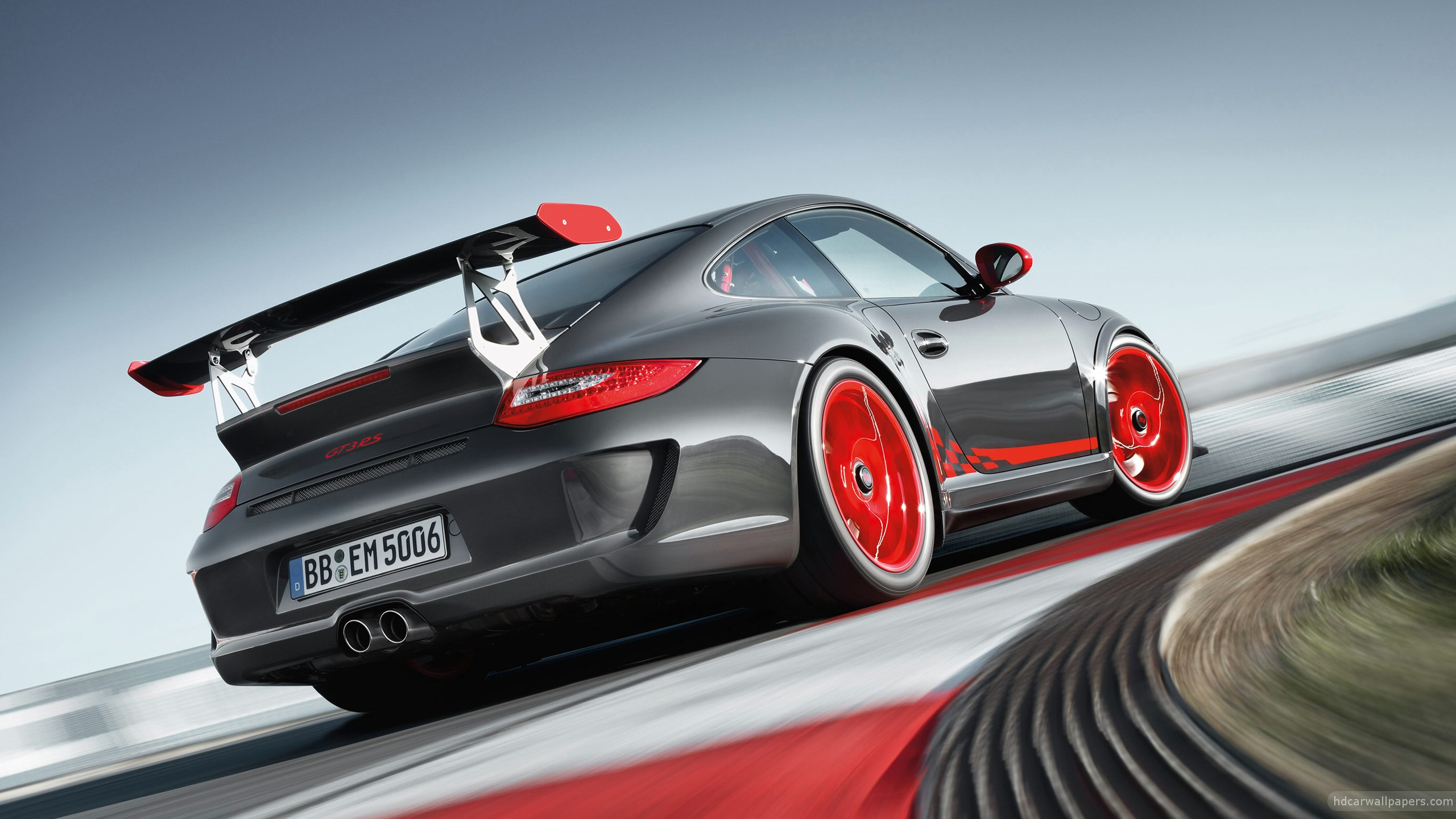 Porsche_GT2